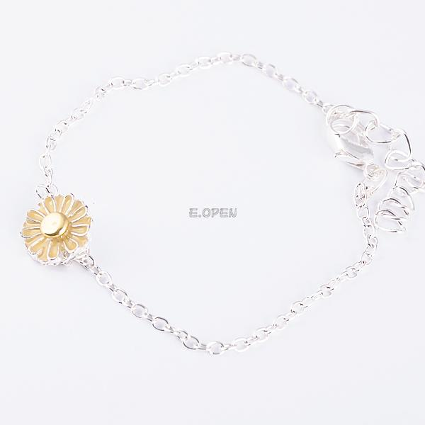 WOMEN CUTE BUTTERFLY CROSS BRACELET HEART CLOVER STAR PENDANT BANGLE HAND CHAIN